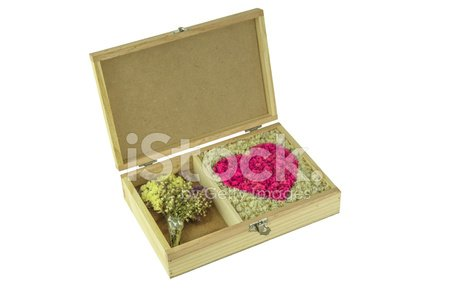 Flower,Day,Plant,Love,Wedding,Holiday - Event,Beauty,Horizontal,Celebration,Petal,Cheerful,Design Professional,Beautiful People,Box - Container,Illustration,Nature,Shape,Arrangement,2015,Single Flower,Happiness,Red,Pattern,Romance,Purple,Space,Heart Shape,Decoration,Pink Color,Gift,Window,Backgrounds,Rose - Flower,Beauty In Nature,Bouquet,Candid,Dating,Design